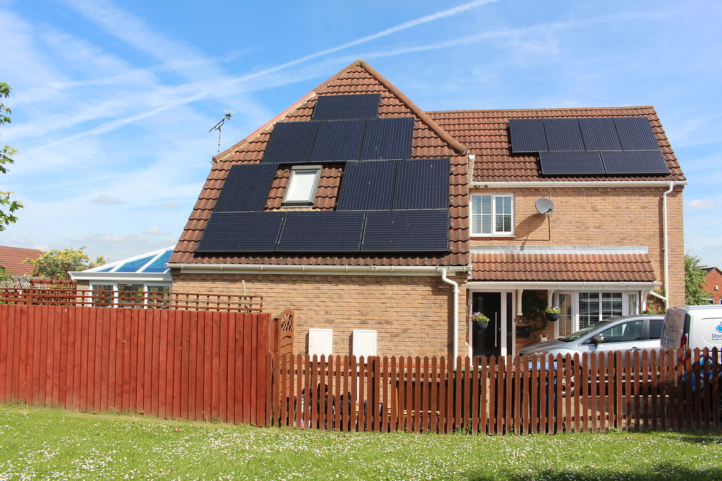 Solar Panels House With Solar Panels On Roof If You Use