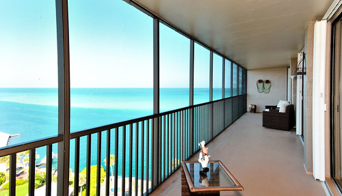 siestakey miamifl miamikeys miamibeaches blue beach beachscape balcony travelling exploration hot waterways