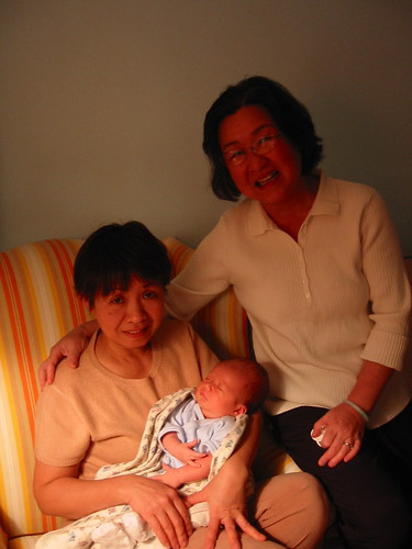 My Phung's Aunt, her Mom and Chloe | by dstueber