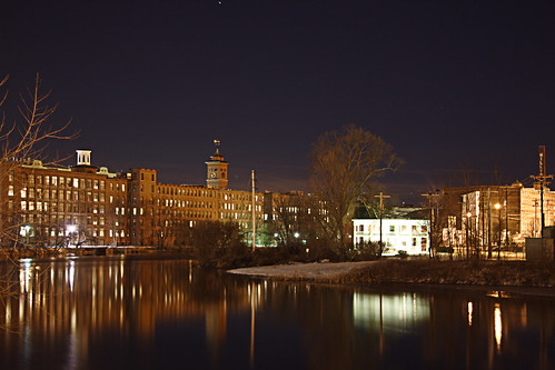 nashua newhampshire nh 03060 nashuamanufacturingcompany clocktower nashuariver river night light reflection brick factory mill historic luxory condo building textile starrgazrsown nhtownlandmarks mainstreet blogged nh:starrgazr=photo5 published tracyleecarroll