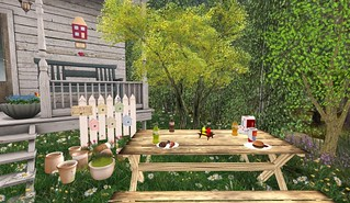 The Cookie Jar 4th Birthday Gifts: The Strawberry Box | by Hidden Gems in Second Life (Interior Designer)