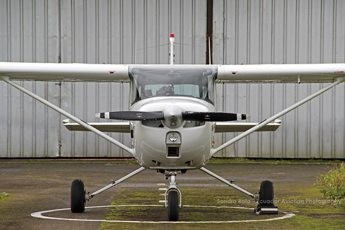 cessna c150 hccjs ecuador santodomingo aeropuerto sesd avion aviones aviacion fotos fotografia spotting ecuadoraviationphotography