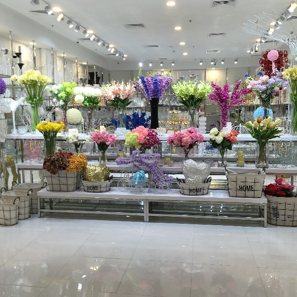 Flower shop in Dragon Mart Dubai