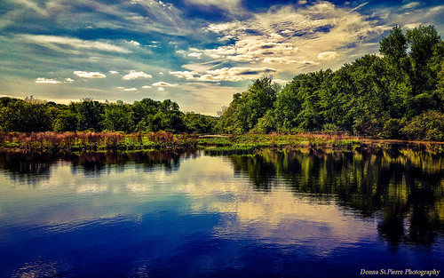 lincoln rhodeisland usa landscapes photography newengland newenglandphotography summer summer2017 river blackstoneriver green trees weather daylight outdoors sunny hot humid