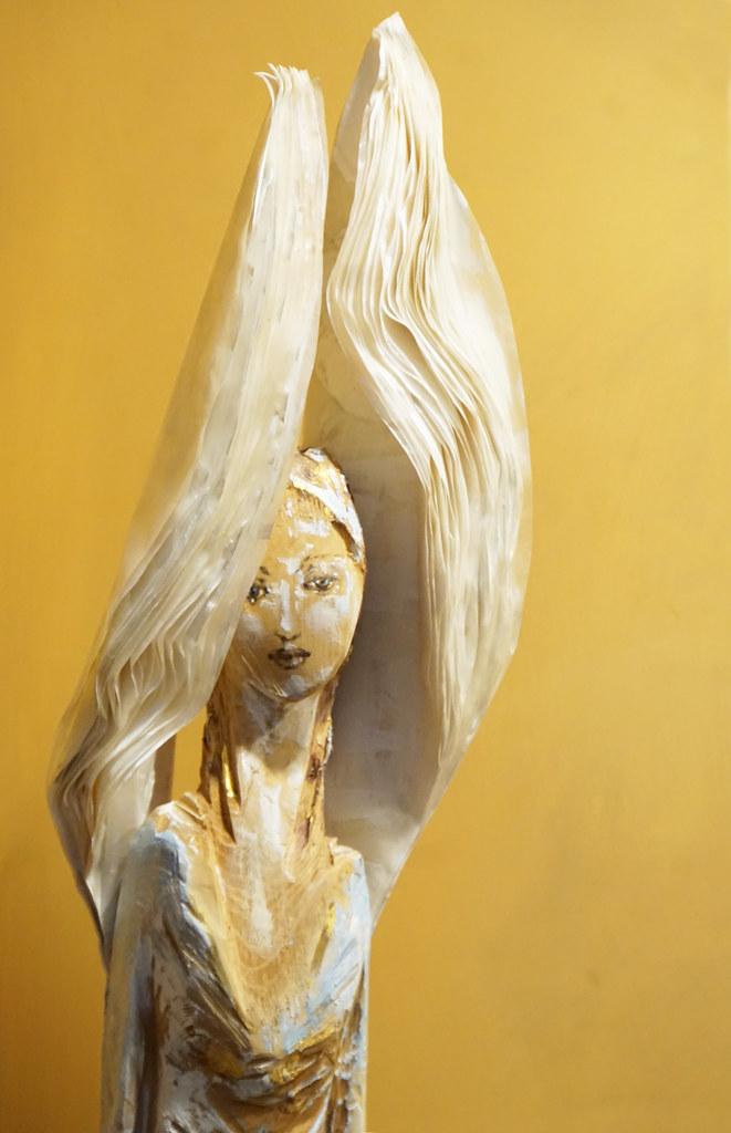 Atemberaubender russischer Engel Mary Rock wird sanft gestochen