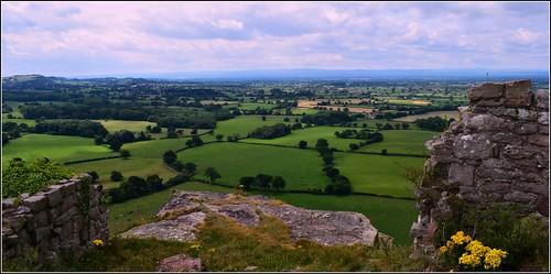 cheshire beeston castle green fields