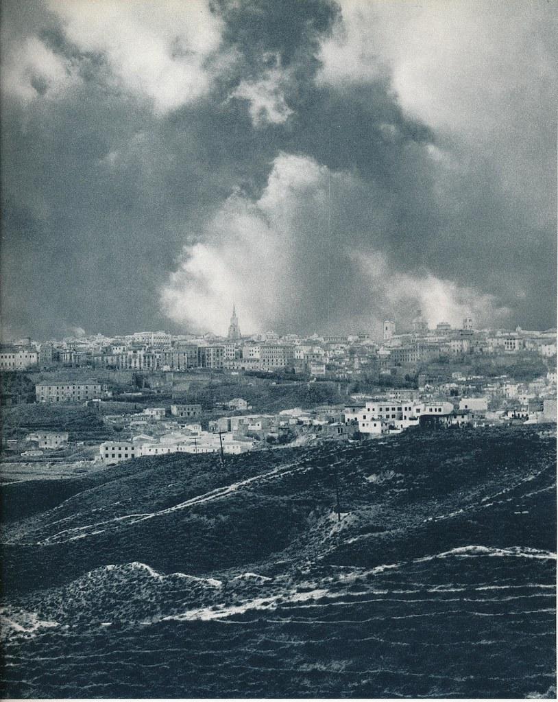 Toledo visto desde el Salto del Caballo hacia 1967 por Marc Flament.