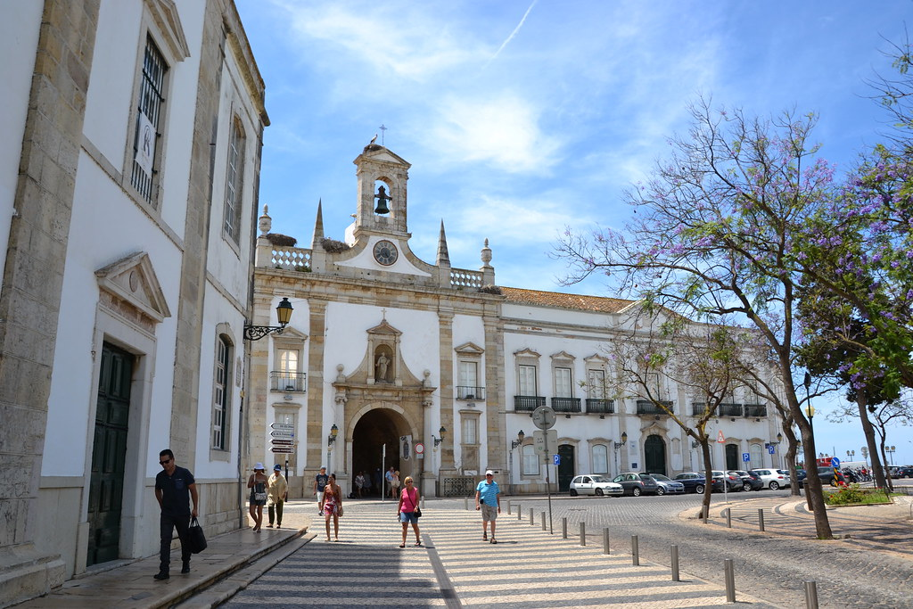 Car Trip to Faro: Where to Go and What to See?