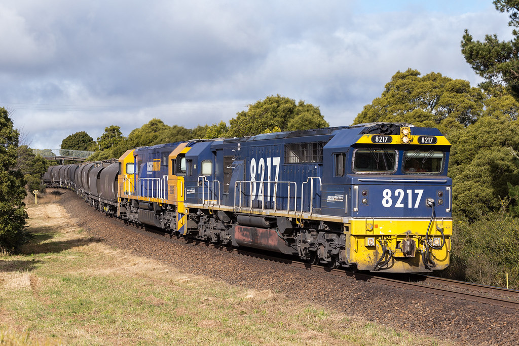 2017-07-12 Pacific National 8217-8205 Robertson 9327 by Deano_305