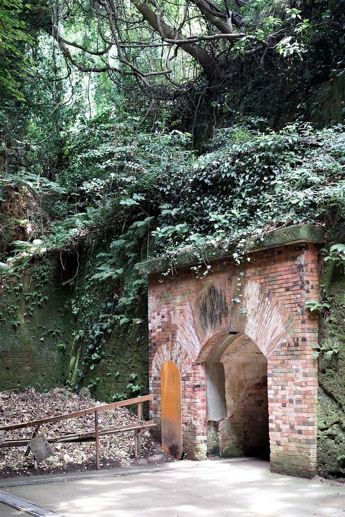 猿島_レンガ造りのトンネル