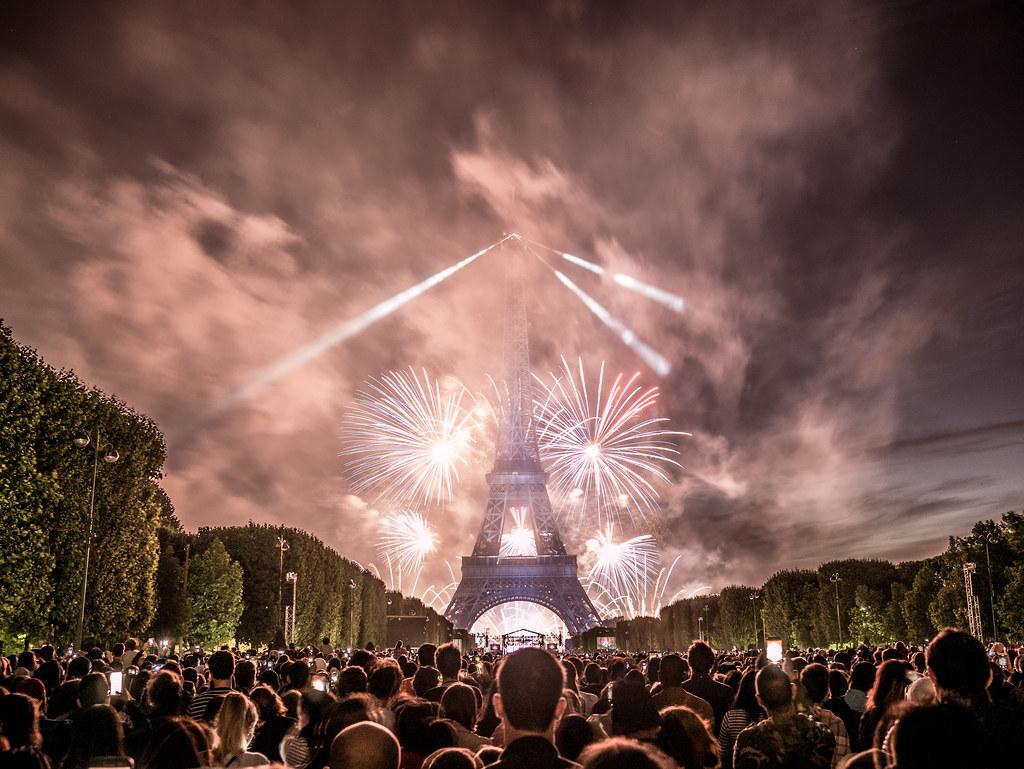 ... Feu Du0027artifice Du 14 Juillet 2017 Depuis Le Champ De Mars à Paris,