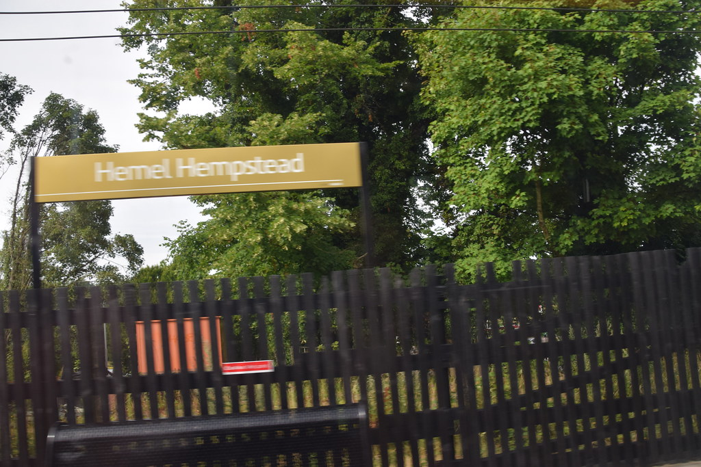 DSC_7047 Berkhamsted to Euston London Midland Train Line Hemel Hampstead