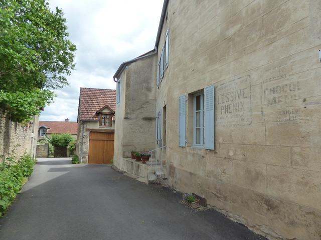 Rue Franklin, Flavigny-sur-Ozerain - Rue de l'Ancienne Cure