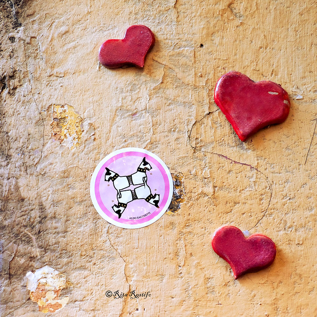 Roma. Trastevere. Street art by HearTherapy, Aldo Sacchetti