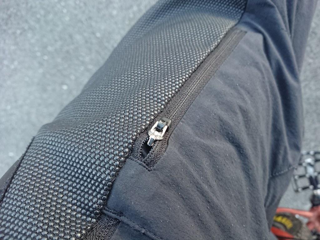 Poc Resistance strong shorts phone pocket zipper fix with ziptie C_0163