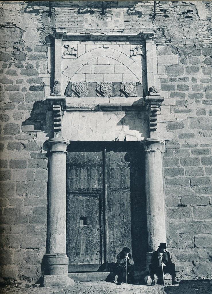Dos ancianos en el Palacio de Fuensalida de Toledo hacia 1967 por Marc Flament.