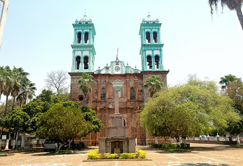 Visita a Ciudad Altamirano   by mfcmexico