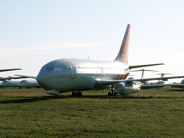 Unidentified 737