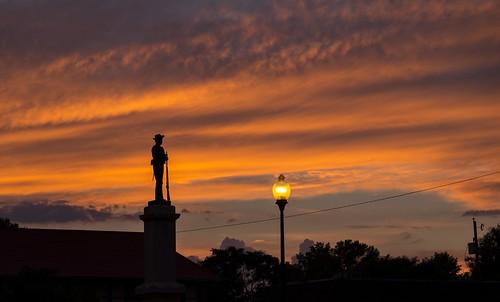 sunset canon eos canoneos6d sigma24105mm sigma24105mmf4dgoshsmart sigmaart sigma chathamcounty chathamcountycourthouse statue silhouette pittsboro northcarolina unitedstates us