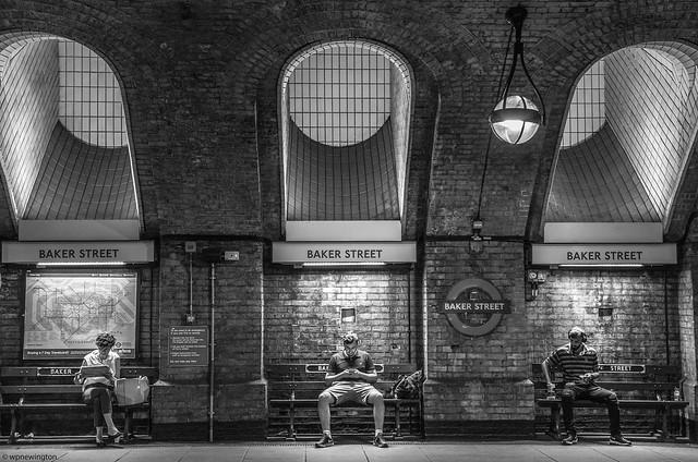 Illuminating Study Baker Street ©