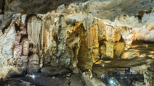 Cueva Paraíso, Phong Nha, Vietnam | by Edgardo W. Olivera