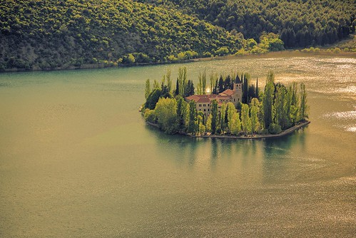 water noperson lake travel river tree outdoors nature sunset monastery franciscan landscape forest roof krka visovac croatia europe nikon nikond750 nikkkor283003556 hrvojesimich gazzda