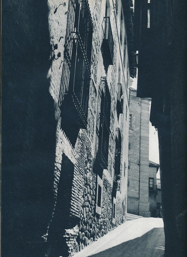 Calle Real de Toledo hacia 1967 por Marc Flament.