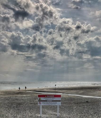 eyedocal beaches ocean shore wildwood jerseyshore sunrise dawn iphone7 iphoneography