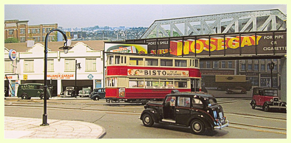 Taxis and tram   Transport in 1950s London  1/76 scale model