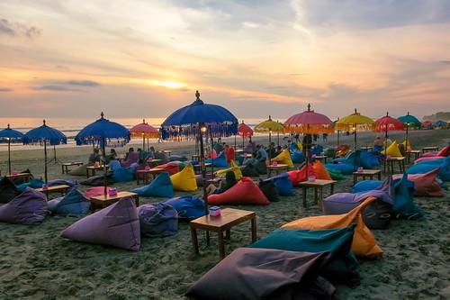 bali sunrise indonesia calm tranquil outdoor kuta beach fujiflm terfujilah seminyak umbrela cafe jimbaran