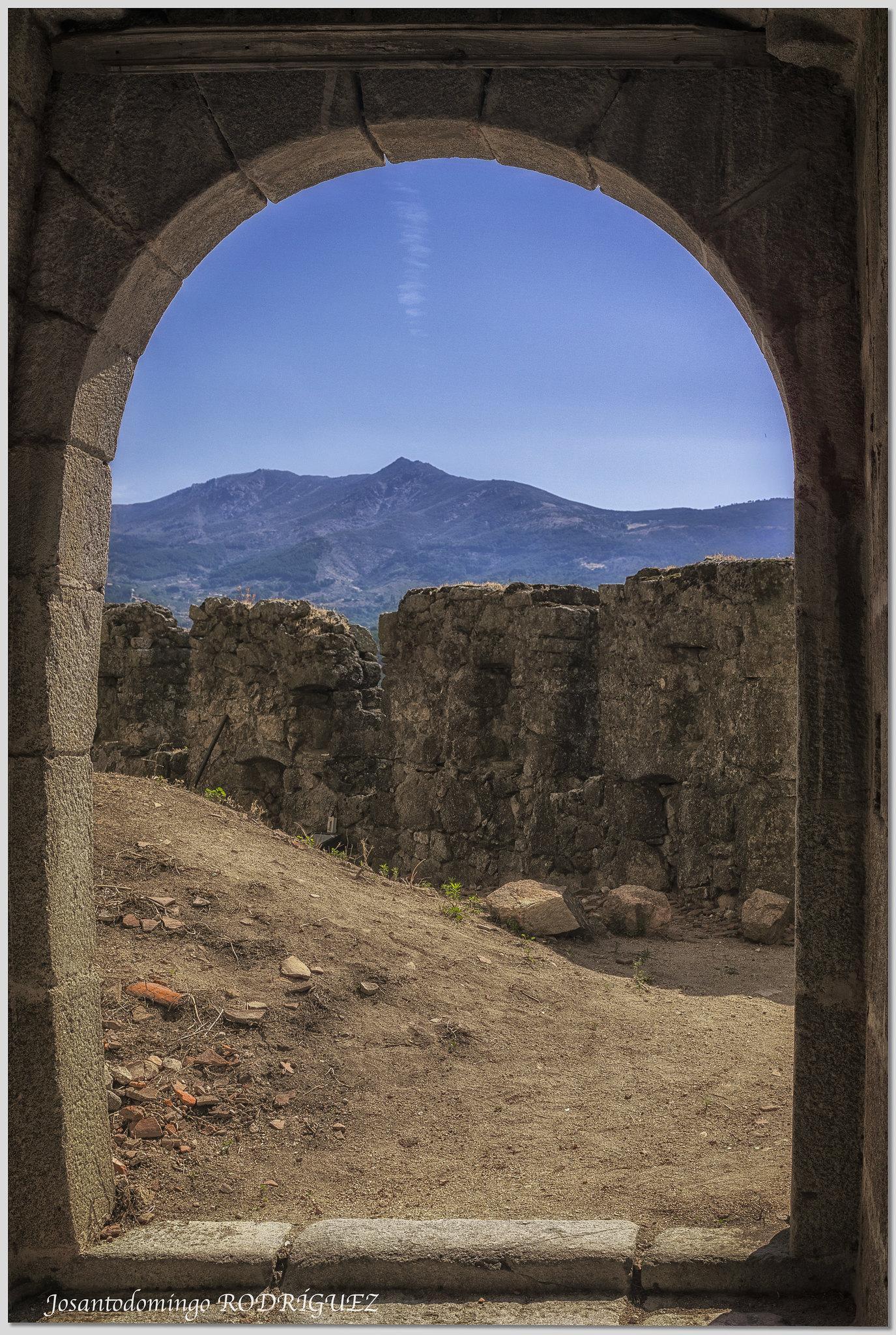 Desde el interior del castillo