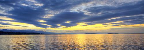 britishcolumbia canada sunsets qualicumbeach sky clouds straitofgeorgia salishsea coastmountains vanocuverisland
