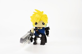 "FINAL FANTASY 7 ""Advent Children"" Brickheadz 