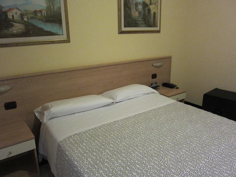 Ayri Hotel