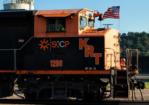 emd gp402lw cn locomotive railroad krt kanawha river terminal west virginia kenova sunrise yard shortline