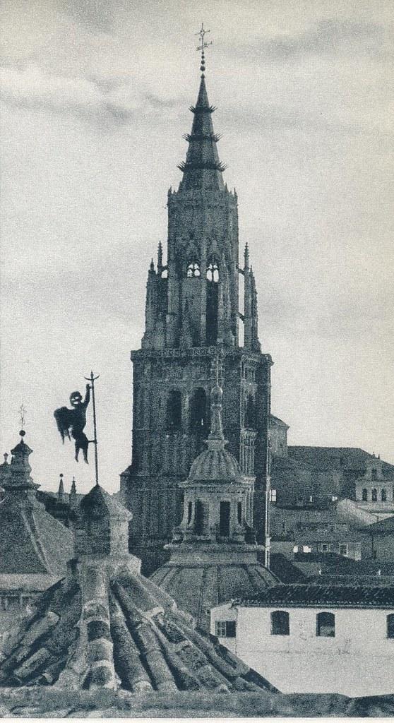 Veleta del Salón Rico de los Trastámara y torre de la Catedral de Toledo hacia 1967 por Marc Flament.