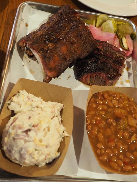 月, 2017-06-26 12:17 - Myron Mixon's Pitmaster Barbecue