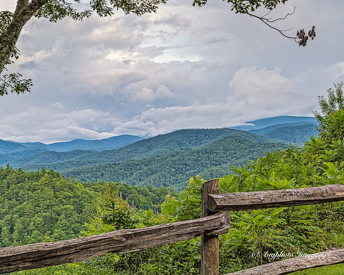 augphotoimagery fence mountains nature outdoors scenic waynesville northcarolina unitedstates