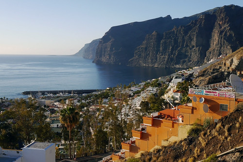 The Amazing Cliffs of Los Gigantes | by simonturkas