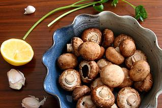 garlic mushrooms 1 | by crumblycookie