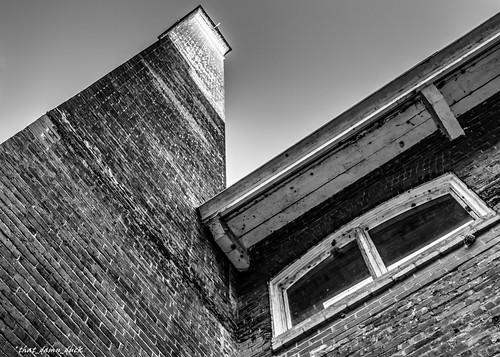 chimney blackandwhite scstatemuseum southcarolina museum structure brickwork window bw history blackwhite