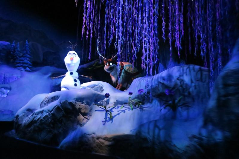 Disney World: Epcot - Norway Pavilion - Frozen ever after