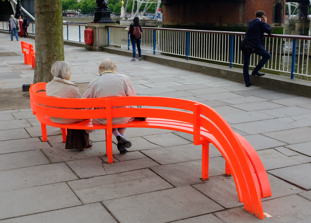 Fine Red Bench Seat South Bank London May 2017 Wandering Back T Gmtry Best Dining Table And Chair Ideas Images Gmtryco