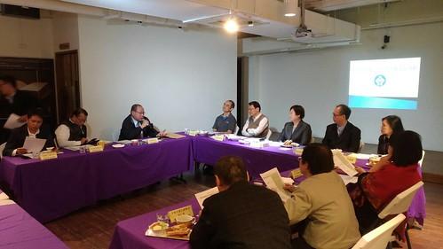 圖01莊理事長出席勞動動部一例一休討論會議