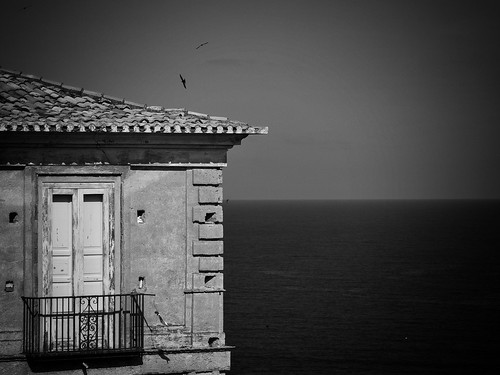 house by the sea   by paddy_bb
