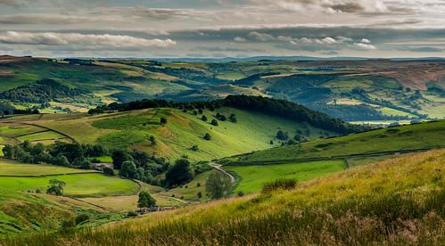 peakdistrict derbyshire hathersage moorland hillside