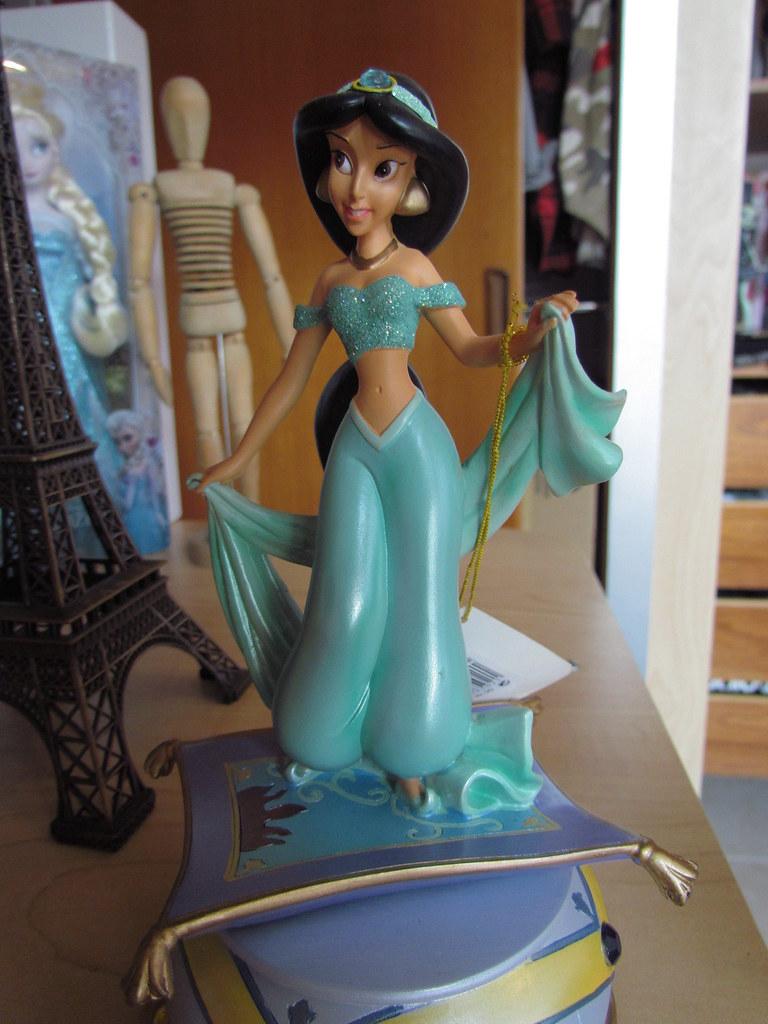 FIGURINE JASMINE Disneyland Paris