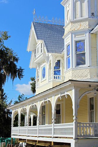 architecture house masoniclodge victorian queenannestyle porch gingerbread mountdora florida