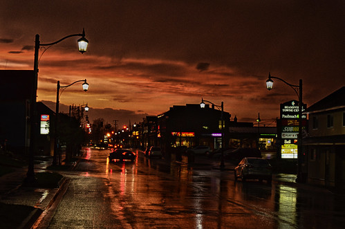 nikkor50mm18 photoshop canada ontario paulboudreauphotography niagara d5100 nikon nikond5100 raw sunset silhouette road lincoln wet aftertherain clouds town car signs benjaminmooreformatt