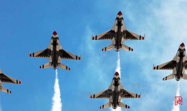 La patrouille acrobatique des Thunderbirds, invitée pour le défilé aérien  du 14 juillet 2017. Depuis le toit de la Grande Arche réouvert il y a à peine un mois ! 3/4
